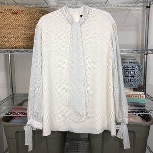 ST. JOHN | silk long sleeved polka dot blouse M